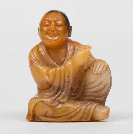 """Lohan"" Figura China realizada en esteatita. Trabajo Chino, Finales del Siglo XIX."