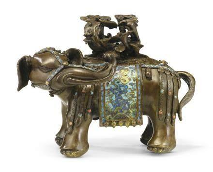 清康熙 銅胎掐絲琺瑯嵌寳大象