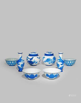 A SMALL COLLECTION OF CHINESE BEIJING GLASS ITEMS