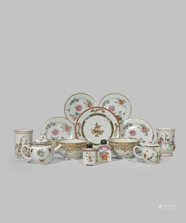 A LARGE GROUP OF CHINESE EXPORT PORCELAIN
