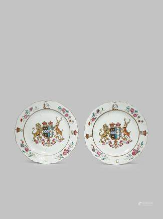 A PAIR OF CHINESE ARMORIAL PLATES