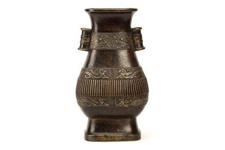 A CHINESE ARCHAISTIC BRONZE VASE, FANGHU.