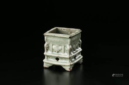 龙泉窑香炉