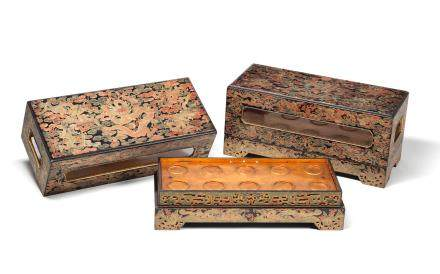 A very rare pair of Imperial polychrome and qiangjin lacquer 'dragon' banquet boxes and covers