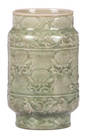 A Chinese celadon vase, decorated with flowers, H 22,5 - Diameter 13,5 cm