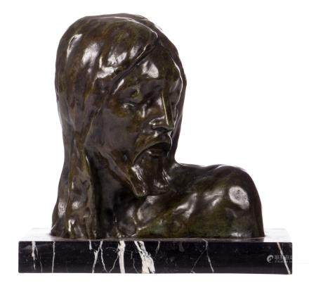The head of the Christ, green patinated bronze on a black marble base, H 33,5 cm