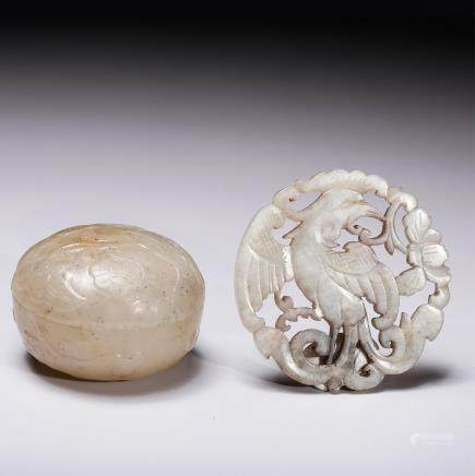 2 CHINESE QING DYNASTY JADE CARVINGS