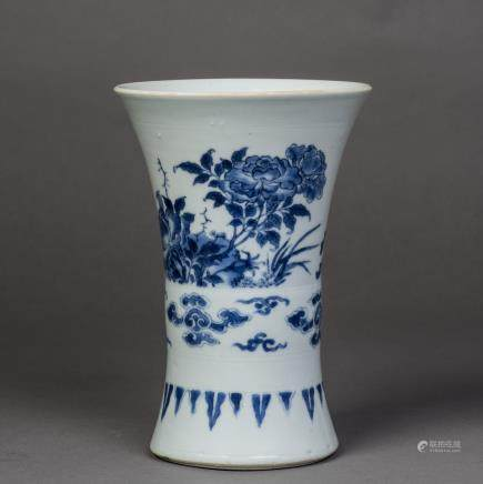 A BLUE AND WHITE PORCELAIN BEAKER VASE, MING TIANQI PERIOD
