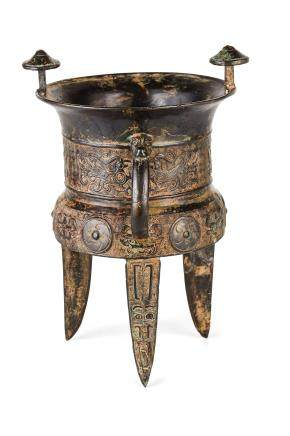AN ARCHAISTIC BRONZE RITUAL VESSEL, CHINA, 18TH-19TH CENTURY