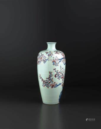 A VERY RARE AND IMPRESSIVE UNDERGLAZE-BLUE AND COPPER-RED MEIPING VASE, CHINA, QING DYNASTY, YONGZHENG PERIOD (1723-1735)