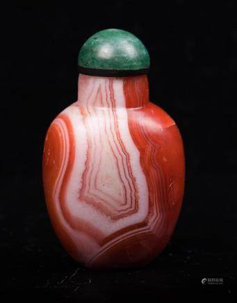 CHINESE QING DYNASTY AGATE SNUFF BOTTLE