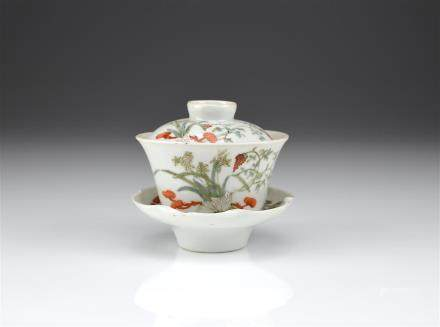 CHINESE FAMILLE ROSE GAIWAN PORCELAIN TEA CUP SET