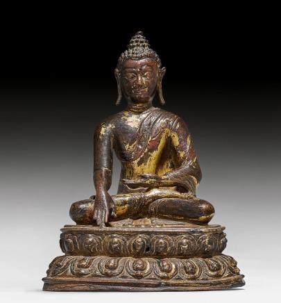 鑄銅鎏金痕跡釋迦摩尼佛像。