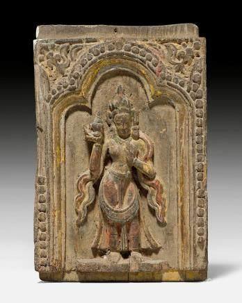 小型女神立像木雕嵌板。