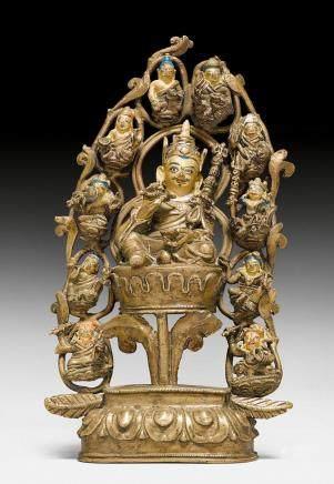 鑄銅莲师八變身側兩佛母像。