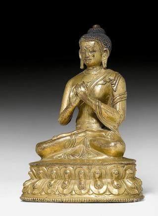 鎏金銅合金製毗盧遮那佛像。