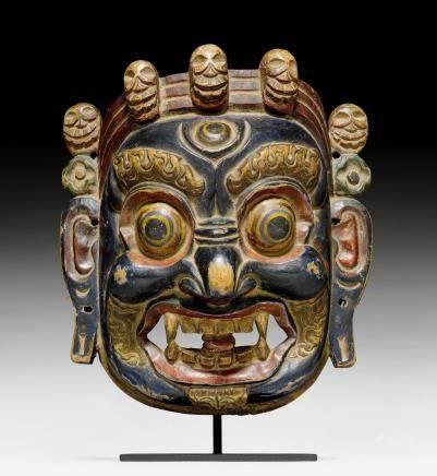 彩繪木雕達瑪巴拉面具。