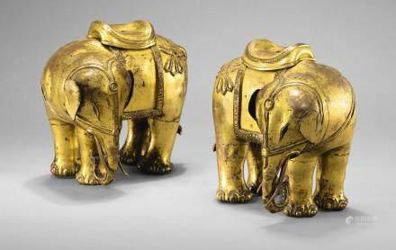 清乾隆 鎏金銅大象一對