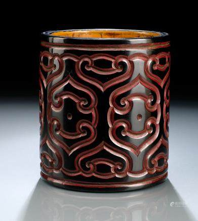AN UNUSUAL TIXI LACQUER BRUSHPOT