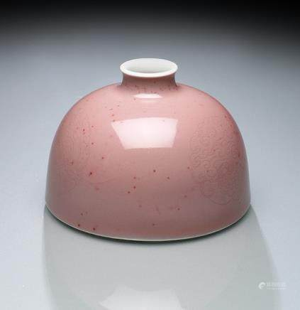 A FINE PEACHBLOOM-GLAZED BEEHIVE WATERPOT