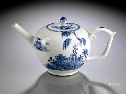A BLUE AND WHITE 'NANKING CARGO' TEAPOT AND COVER