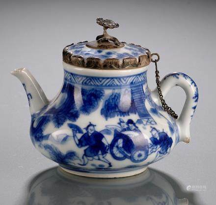 A BLUE AND WHITE SMALL WINE POT AND COVER WITH SILVER MOUNTS