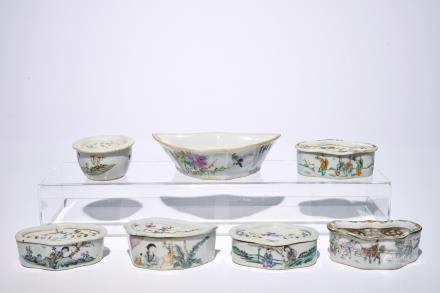 Six Chinese qianjiang cai cricket boxes and a bat-shaped bowl, 19/20th C.