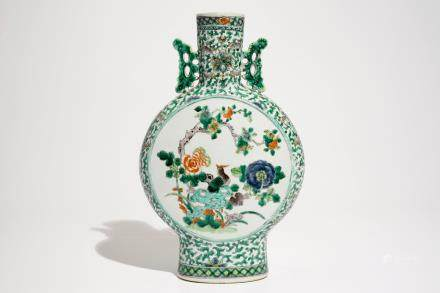 A Chinese famille verte moonflask, 19th C.