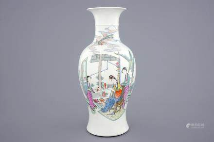 A fine Chinese famille rose vase with ladies playing music, 19/20th C.