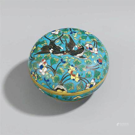 A small round cloisonné enamel box. 19th century or later
