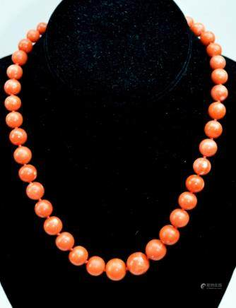 "Necklace of Coral Beads; ""750"" Clasp; total 67G"