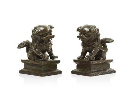 Couple de lions bouddhiques