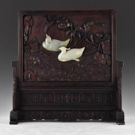 18/19TH C QIANLONG ZITAN TABLE SCREEN WITH JADE DUCKS