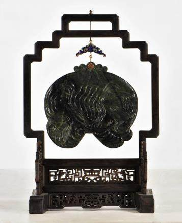 LARGE HANGING MUSICAL GREEN JADE CHIME, QIN