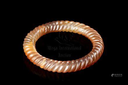 AGATE CARVED SPIRAL BAND