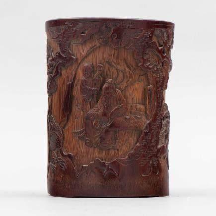 Pincelero chino en madera de tallada de bambú. Trabajo Chino, Siglo XX.