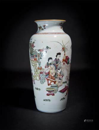 Famille-Rose Figure Vase Qing