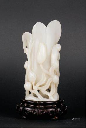CHINESE WHITE JADE FLOWER VASE