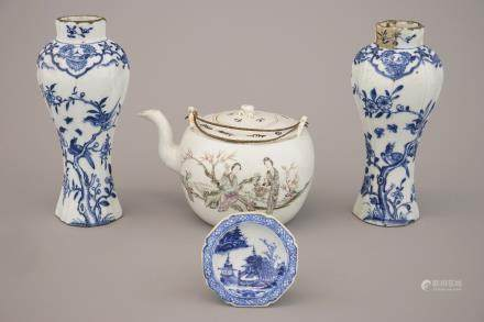 A set of Chinese porcelain items: a salt, a teapot and a pair of vases, 18/19th C.
