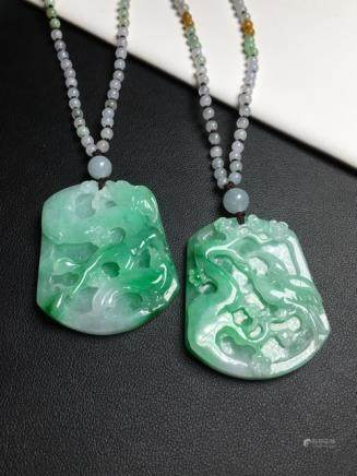 A PAIR OF BIRD DESIGN NATURAL ICY JADEITE PENDANT With certificate