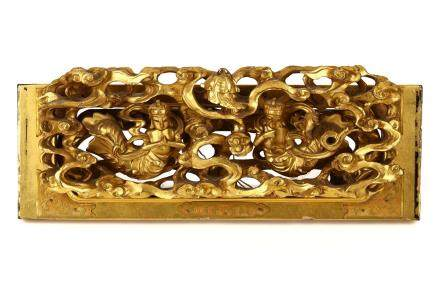A GILT WOOD CARVING OF TENNYO