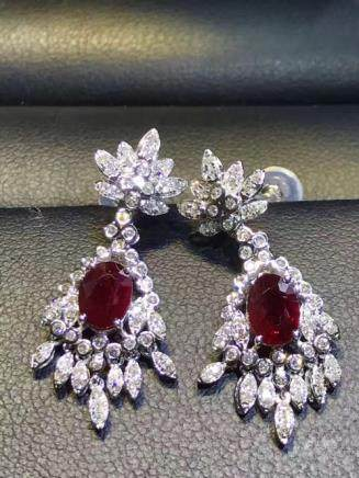 PAIR NATURAL PIGEON-BLOOD COLOR RUBY EARRING