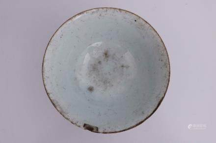 A GREEN GLAZE BOWL