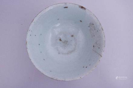 A WHITE GLAZE BOWL