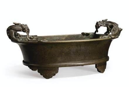 A BRONZE OVAL CENSER WITH CHILONG HANDLES