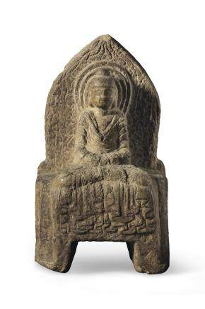 A STONE FIGURE OF SHAKYAMUNI BUDDHA