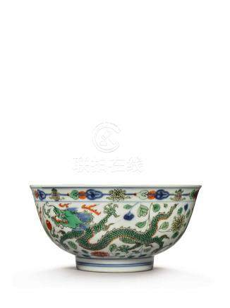 A WUCAI 'DRAGON AND PHOENIX' BOWL KANGXI MARK AND PERIOD