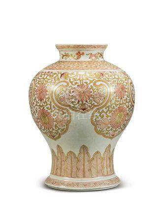 AN IRON-RED AND GILT BALUSTER VASE QING DYNASTY, KANGXI PERIOD