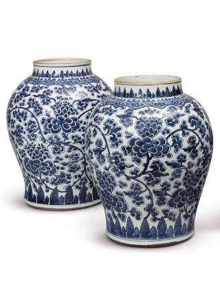 A PAIR OF LARGE BLUE AND WHITE 'PEONY MEANDER' VASES QING DYNASTY, KANGXI PERIOD