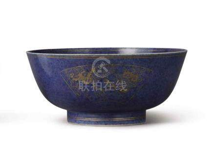 A POWDER BLUE AND GILT FAMILLE-VERTE BOWL QING DYNASTY, KANGXI PERIOD